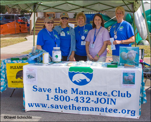 Save the Manatee Club volunteers at the Crystal River Festival 2017