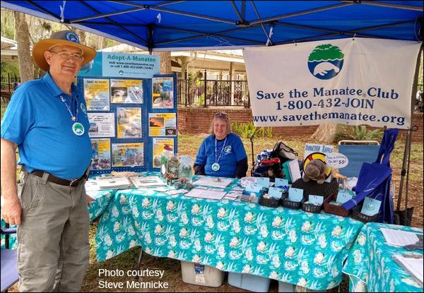 Save the Manatee Club volunteers Doug and Deb Brown.